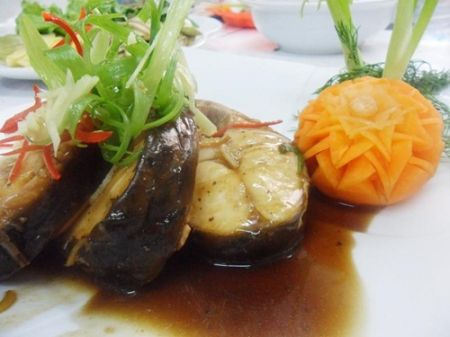 Cá trắm hấp xì dầu thơm ngon
