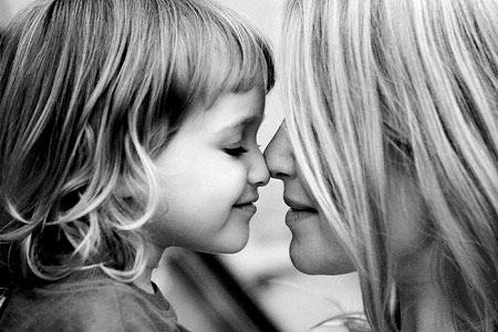 Kết quả hình ảnh cho mẹ và con gái