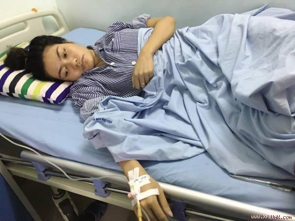 Cô giáo Phạm Thị Hải đang được điều trị tại bệnh viện. Ảnh: M.L