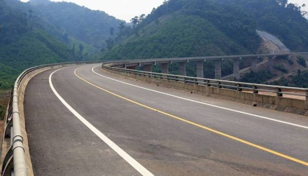 Dự án đường Hồ Chí Minh đoạn La Sơn – Túy Loan nối tỉnh Thừa Thiên Huế - Thành phố Đà Nẵng dài 77,6 km.