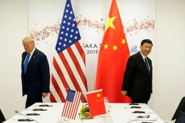 Tổng thống Hoa Kỳ, Donald Trump và người đồng cấp Tập Cận Bình tại hội nghị ở Osaka, Nhật Bản hồi tháng 6.