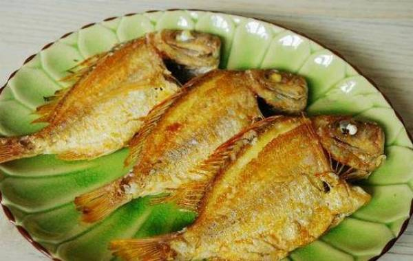 Tạm biệt cá rán sát chảo, thịt cá nát tan với 5 bước đơn giản không ngờ