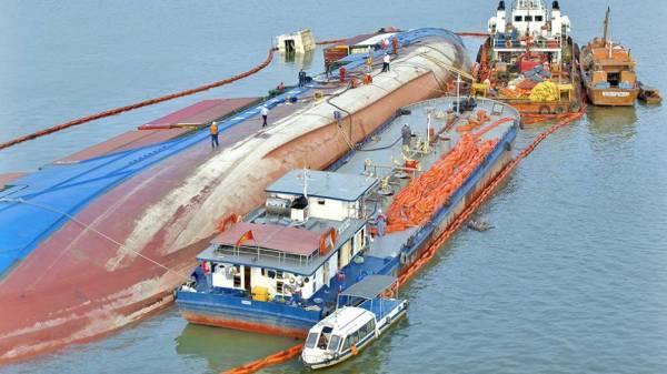 Hiện trường nơi tàu VIETSUN INTEGRITY chìm trên sông Lòng Tàu