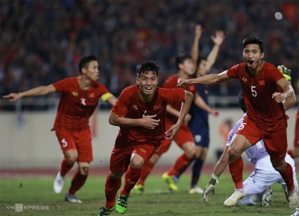 Pha mừng hụt bàn thắng của tuyển Việt Nam. Ảnh: Lâm Thoả.