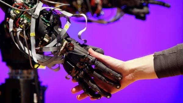 Việc sử dụng AI vào quân sự sẽ là thảm hoạ với loài người.