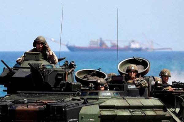 Thủy quân lục chiến Mỹ trong cuộc tập trận đổ bộ tại một trại quân sự ở tỉnh Zambales, ngày 11/4/2019 nhằm thúc đẩy quan hệ song phương Philippines - Mỹ. Ảnh: Reuters.