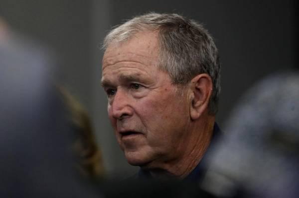 Cựu TT Bush lên án 'thất bại gây sốc' trong đối xử với người da đen
