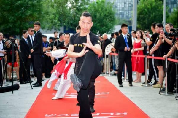 Võ sư mạo nhận truyền nhân 'Hàng long thập bát chưởng' của Kim Dung