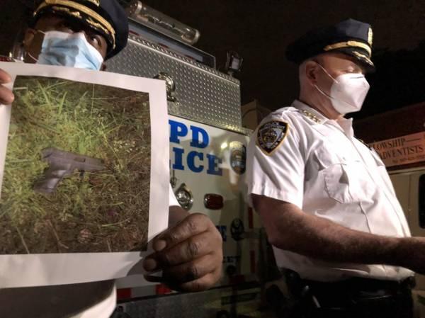 Cảnh sát New York bắn chết nghi phạm, nói 'không liên quan' biểu tình
