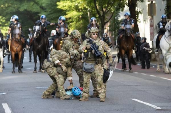 Lầu Năm Góc đưa 1.600 quân vào thủ đô giữa bạo loạn